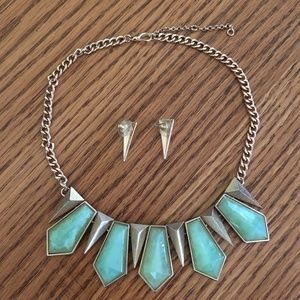 Jewelry - Statement Necklace & Earrings Set Green & Goldtone